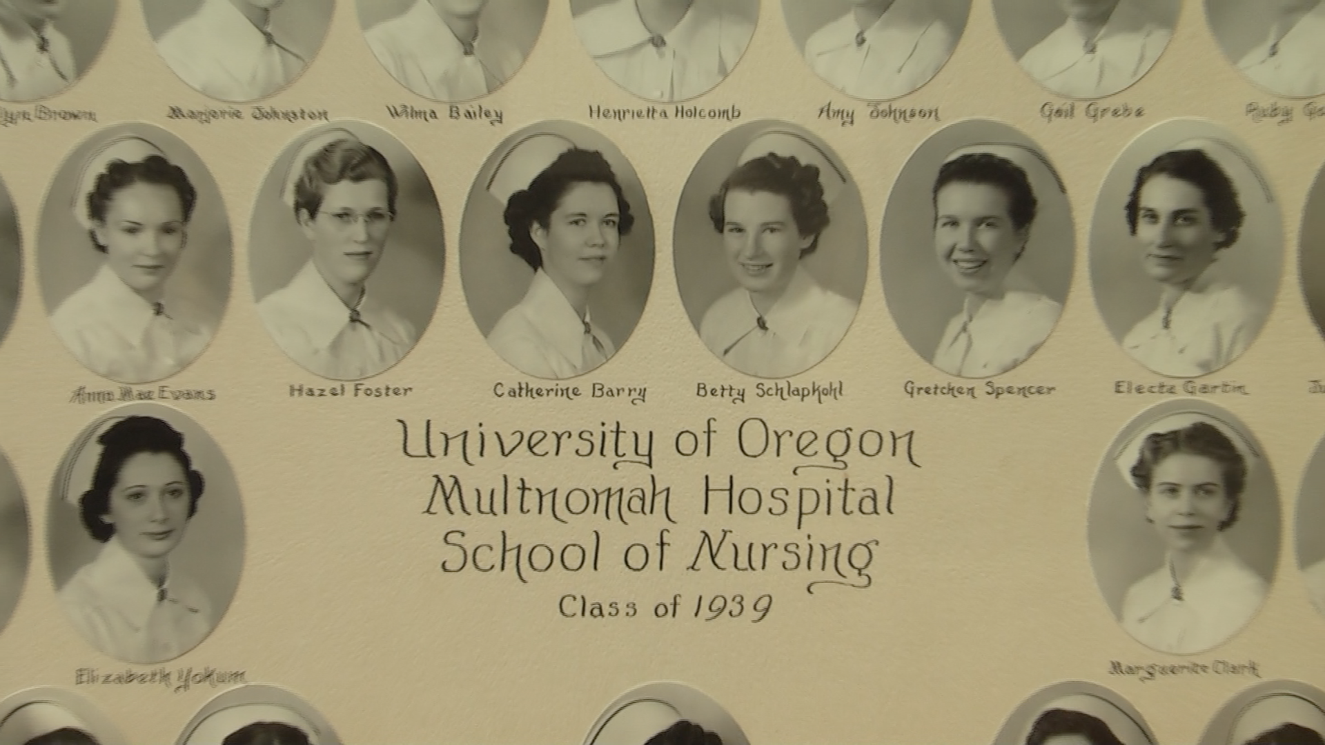 Photo of a 1939 nursing class